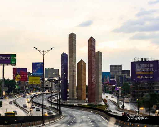 Torres de Satélite, Estado de México