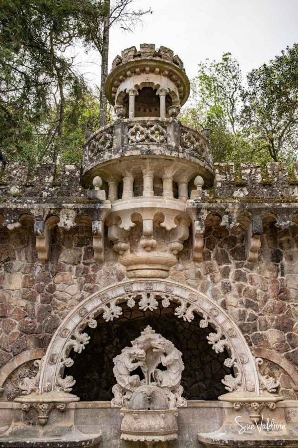 Fuente de los Dragones, Jardines de la Quintada Regaleira, Portugal